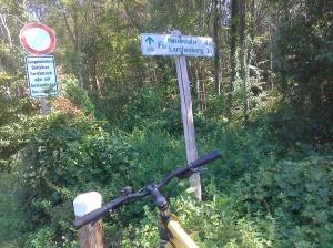Akhirnya sampai di Frankfurt. Tapi masih ada 6 km lagi yang harus dilalui ...